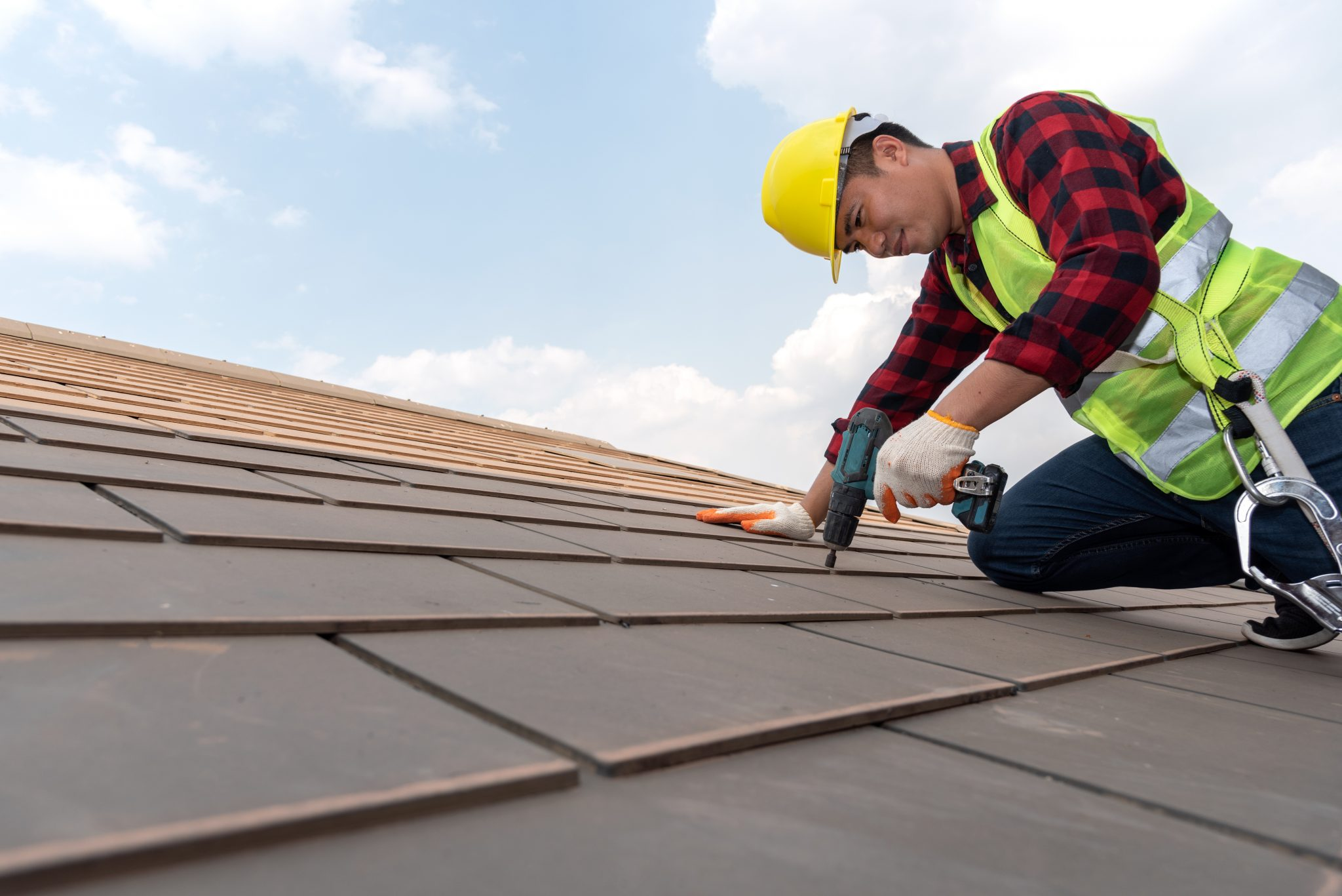 Who Is Liable for Contractor Injuries – the Property Owner or the Employer?